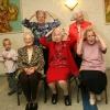"\""Tante Jo 50 jaar getrouwd tante Trees: 1927, Roos: 1931, Martha: 1921, Jo: 1931, Trui: 1920 en nog een kleinzoon\"""