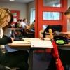 """""""Sfeervolle foto van Montessori-leerlingen aan locatie Vlierestraat. school"""""""