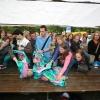 """""""Introduktiemarkt 2007 Run Radboud Studenten wachten op voedselpakketten bij Super de Boer: pak pasta en pot pastasaus."""""""