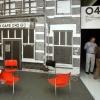 """""""Valkhof museum, Seventies in Nijmegen tentoonstelling met nagebouwd O 42 en Timmermans, schrijver van het boek en vroeger barman in O 42 in de deur... en de stoelen worden nog schoongemaakt"""""""