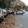 """""""Van het Santstraat, gevallen bladeren worden opgezogen. Herfst is echt bezig"""""""