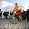 """""""Opening Bikedispenser met fietsen bij station Schuytgraaf en Lent door o.a vd Meer"""""""